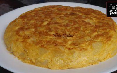 Tortilla de patatas española | Receta fácil y económica