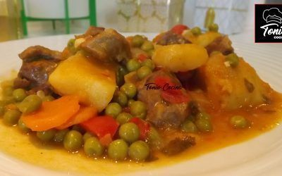 Estofado de carne de ternera guisada con patatas