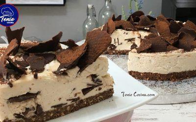 Tarta Stracciatella | Tarta de chocolate y nata sin horno